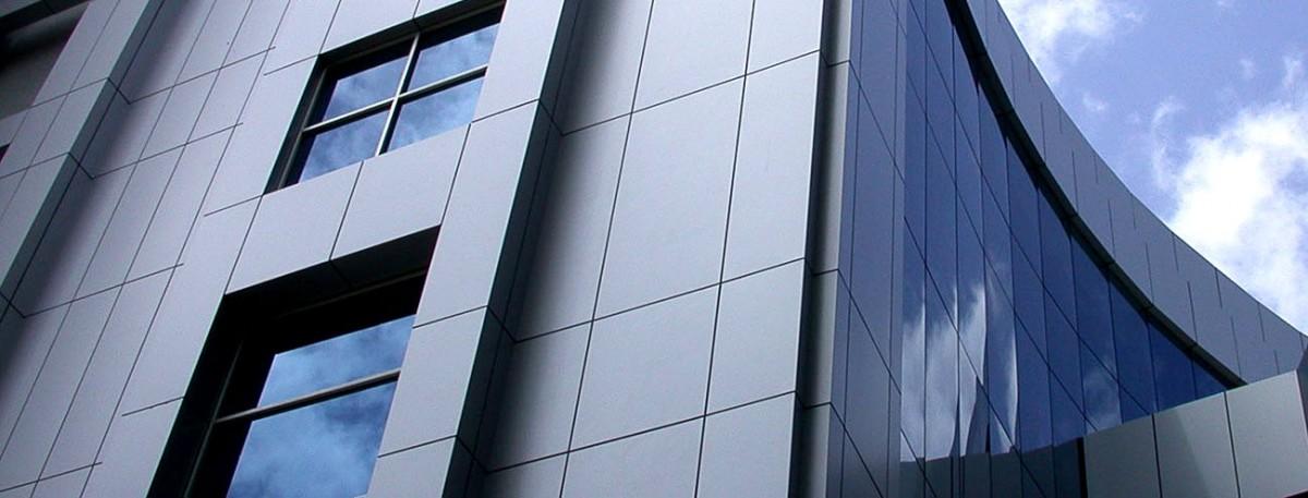Вентилируемый фасад из композитных панелей